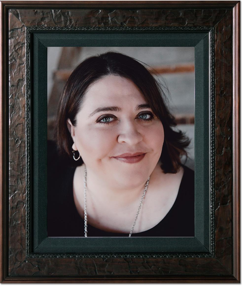 Author Tina Szymczak